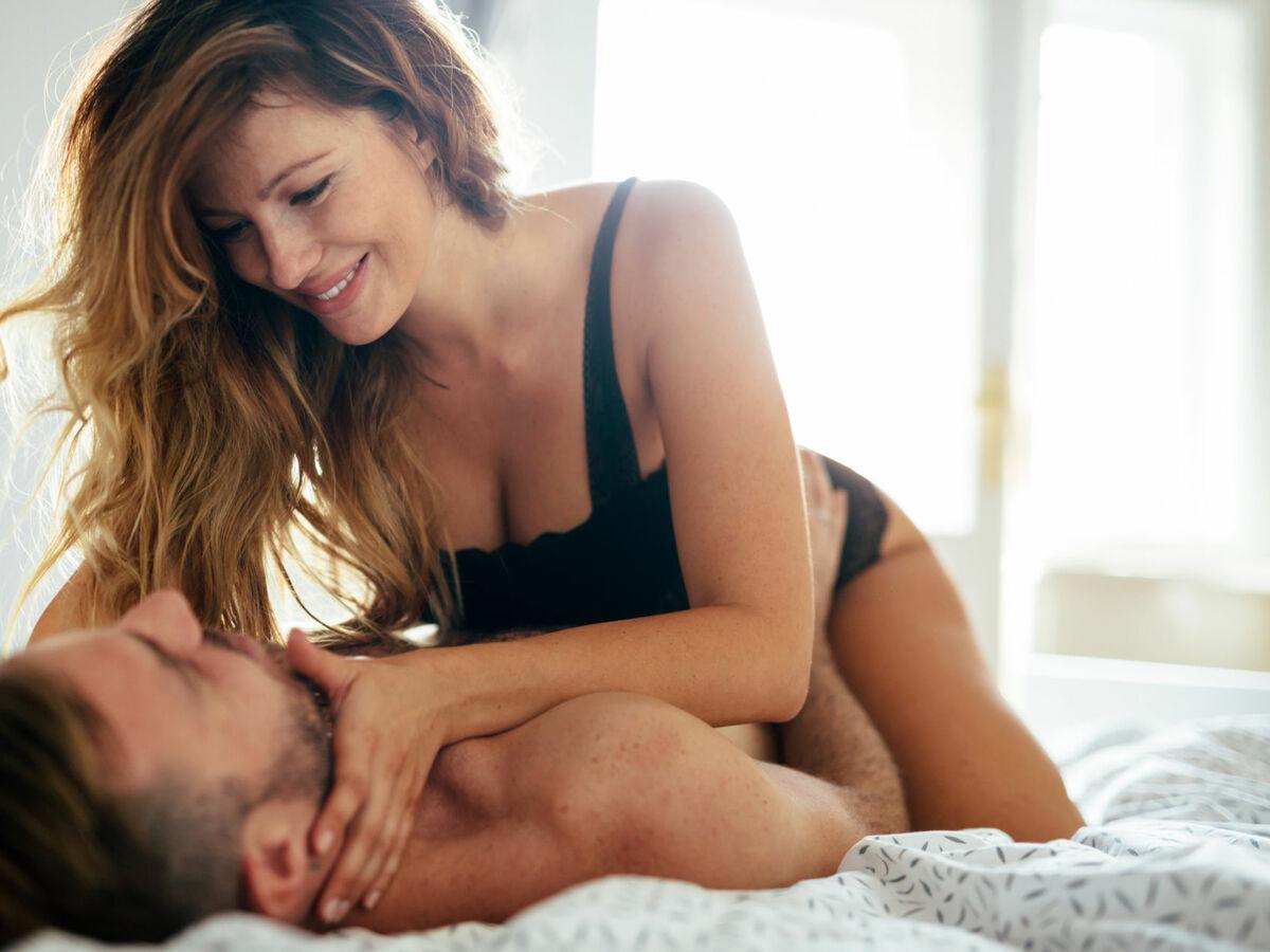 Frauen sex zwischen Sex Zwischen