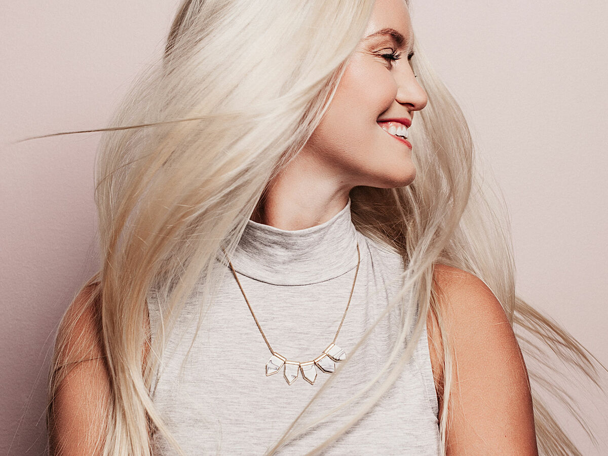 Rotstich entfernen blond Haarfarbe Dunkelblond