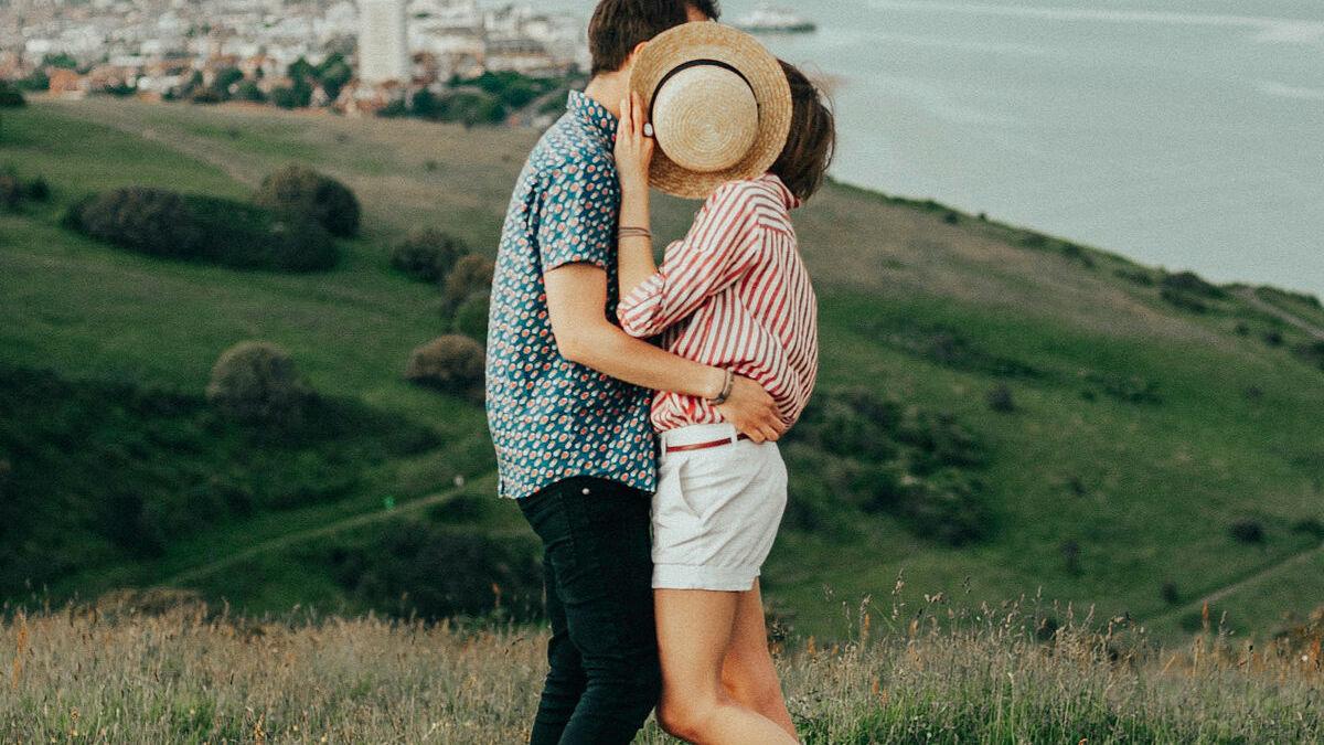 DIESE Sternzeichen können besonders gut küssen